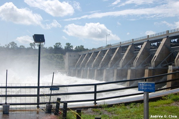 Gavins Point Dam, overflowing